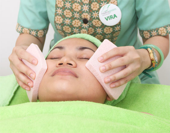 Naavagreen Natural Skin Facial for Anti Aging